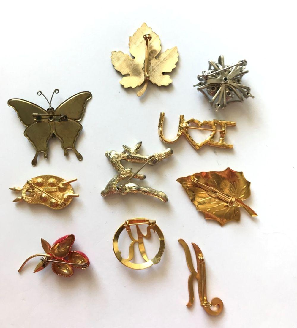 10 BROOCHES -- BUTTERFLY,