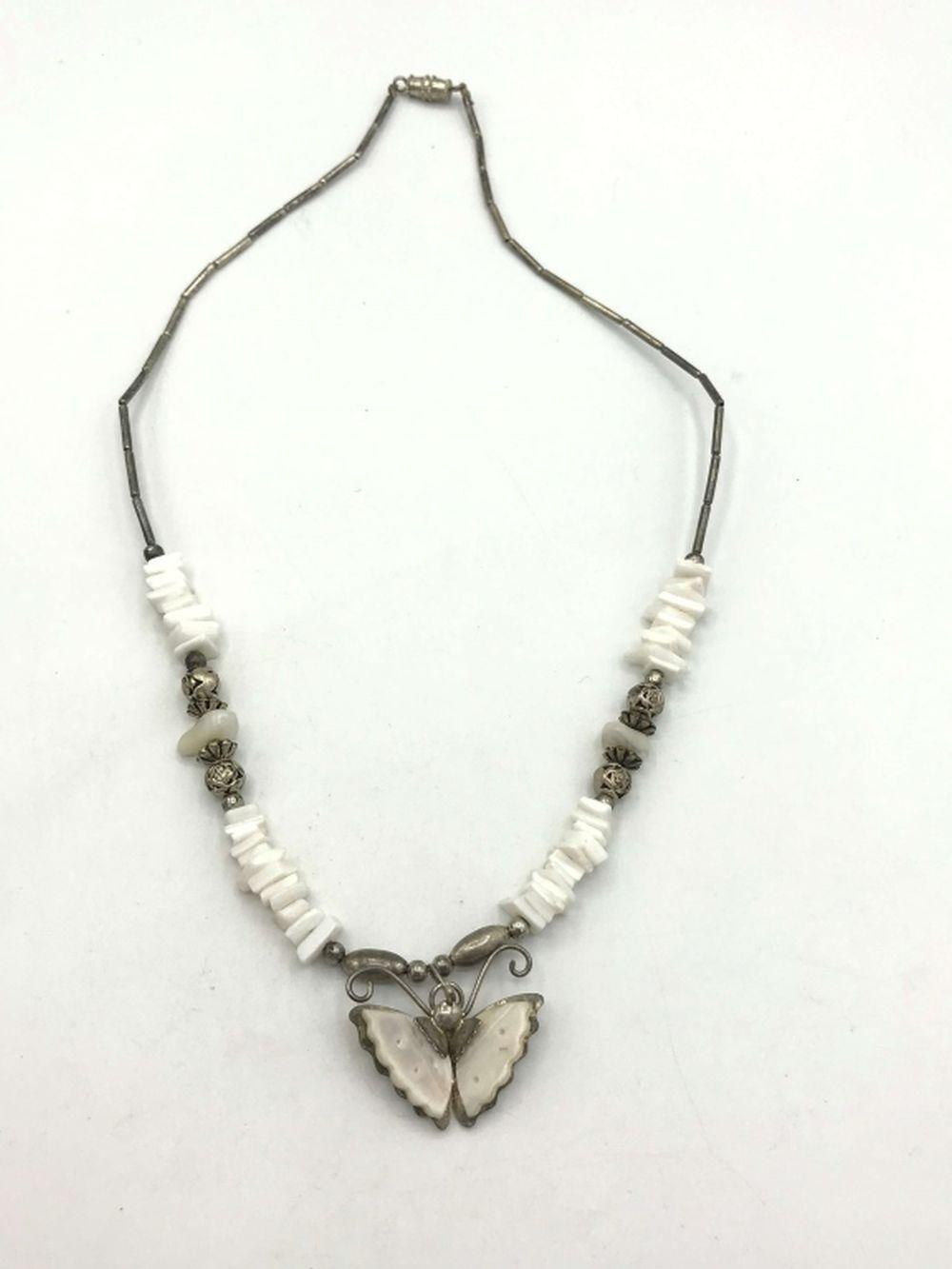 TUBE .925 PULKA SHELL NECKLACE BUTTERFLY