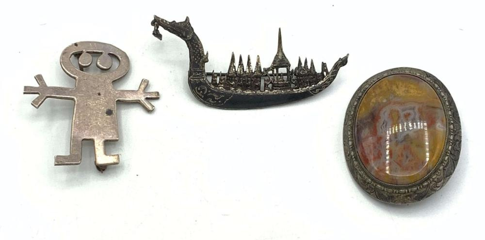 3 VINTAGE BROOCHES-- DETAILED
