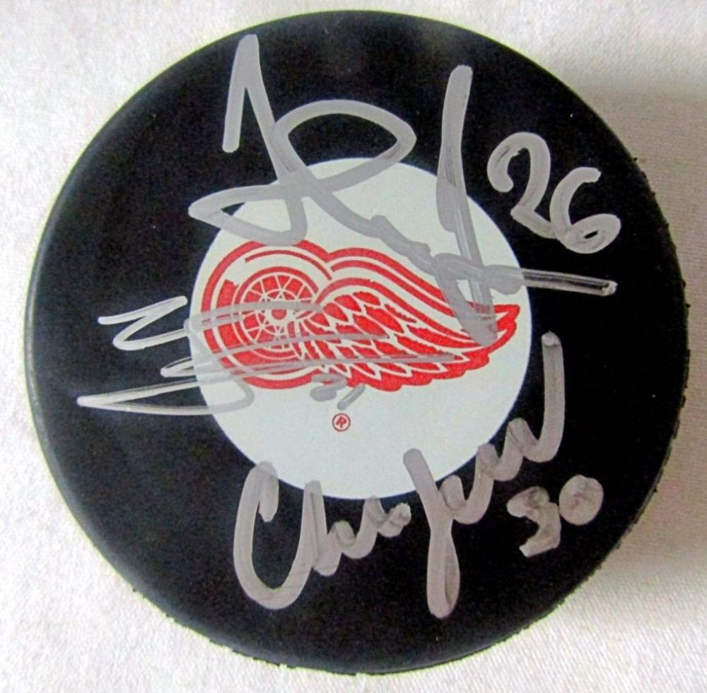 AUTOGRAPHED RED WINGS HOCKEY PUCK