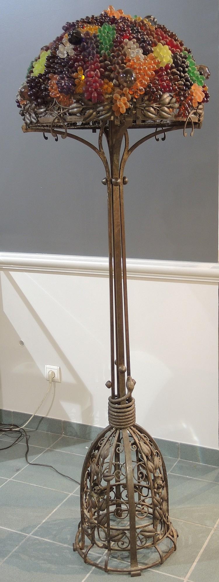 E tois lampadaire art d co en fer forg d cor de branchag - Lampadaire fer forge interieur ...