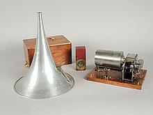 PHONOGRAPHE PATHE 'N°0' complet avec sa tête PATHE REPRODUCTEUR dans sa boite d'origine et son pavillon