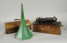 PHONOGRAPHE EDISON 'HOME' caisse revernie, clef et pavillon repeint