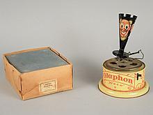 GRAMOPHONE WECO 'OLAPHON' caisse à décor de clowns, complet avec sa boîte d'origine