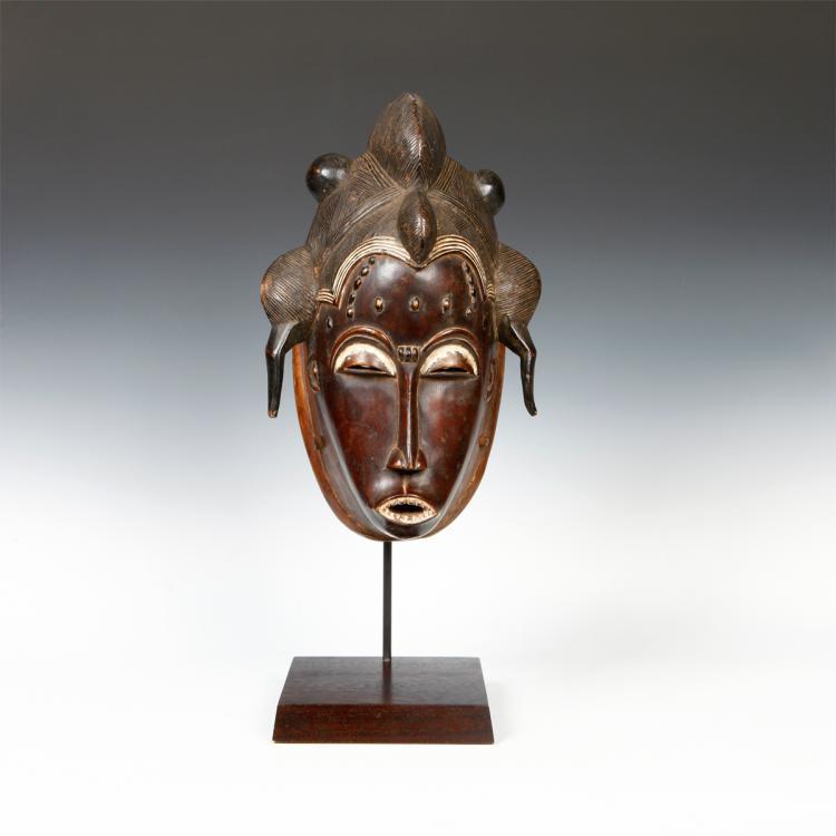 Mbolo Portrait Mask, Based