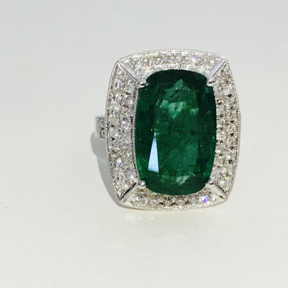 1a6ea4a4a3652 Lot 35: 14K Gold, 100% natural 7.25 CT Emerald and Diamond Ring