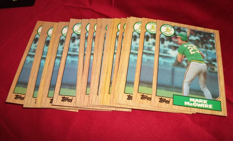 Lot of 25! 1987  MLB Mark McGwire Topps #366 Rookie (RC) Cards. Oakland A's