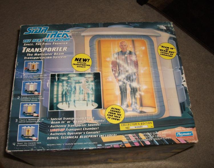 1993 STAR TREK NEXT GENERATION TRANSPORTER VINTAGE TOY, WORKING WELL WITH ACTION FIGURE. NEAR MINT. COLLECTOR'S EDITION BY PLAYMATES