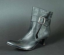 IS241 - Iron Sky - Renate's (Julia Dietze) Deadly SFX Shoe