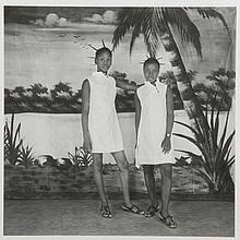 KOUYATE Adama (né en 1928). «Les sœurs». Photographie sur papier. Ségou,