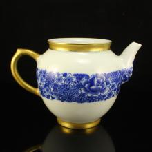 Chinese Qing Dynasty Gilt Edges Blue And White Porcelain Teapot