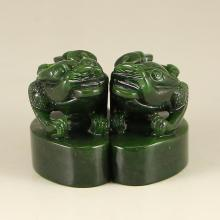 A Pair Chinese Green Hetian Jade Fortune Toads Seal
