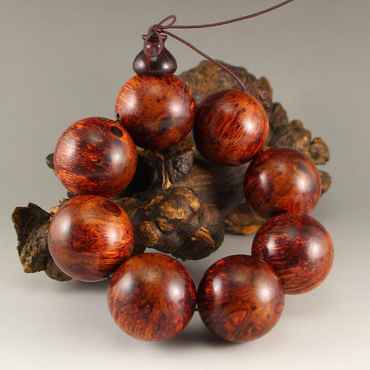 Vintage Chinese Hainan Huang Hua Li Wood Beads Bracelet