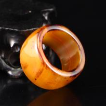Vintage Chinese Shui Cao Agate Thumb Ring