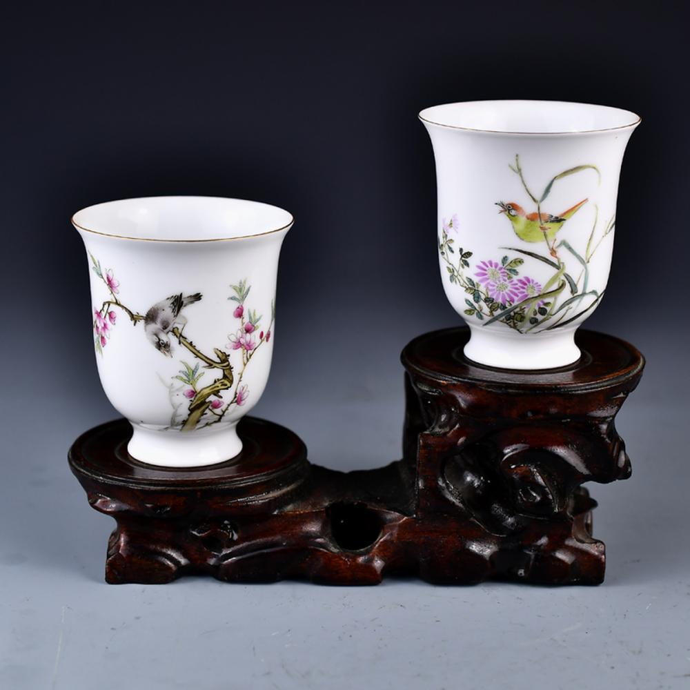 A Pair Chinese Gilt Edge Famille Rose Porcelain Cups w Qianlong Mark