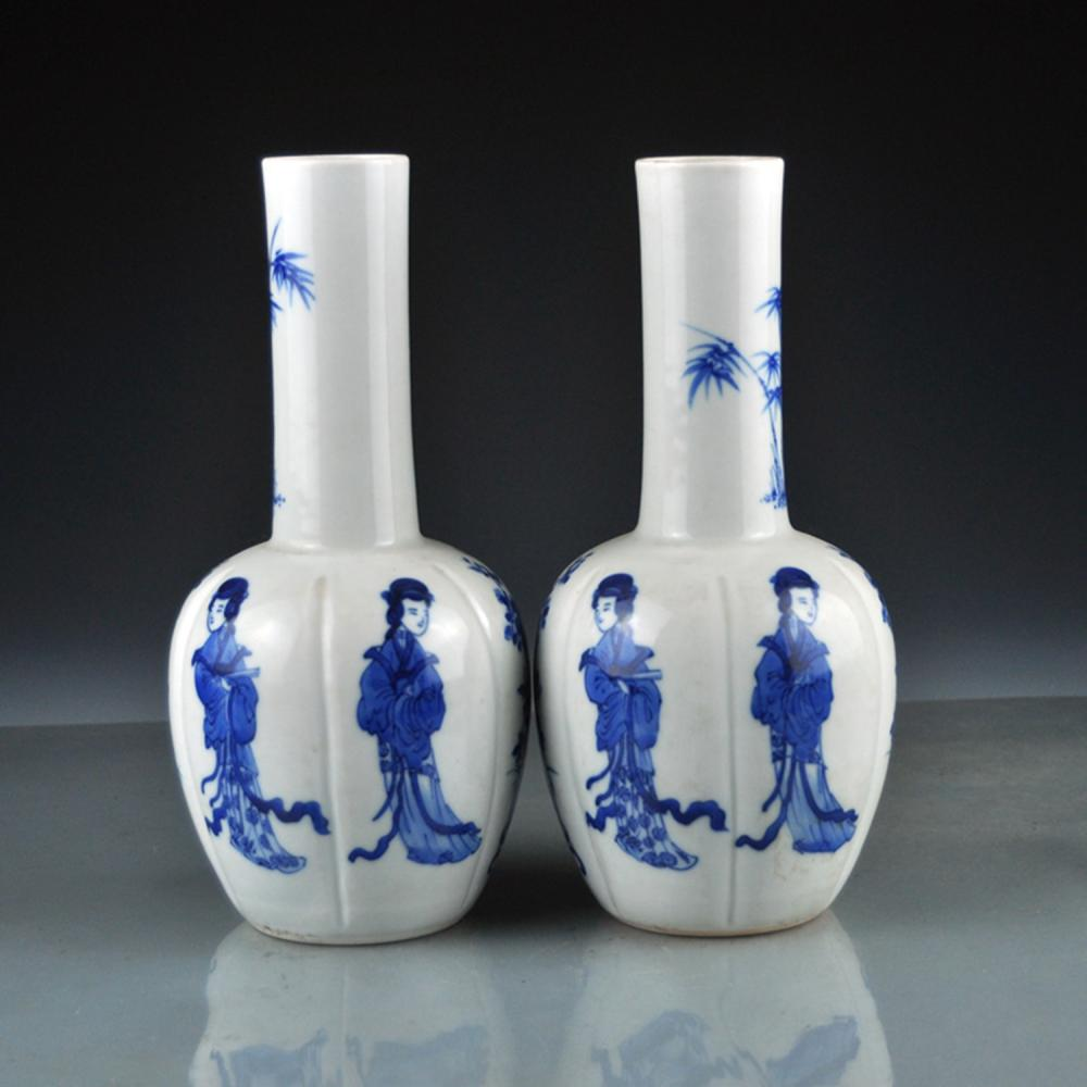A Pair Chinese Qing Dy Blue And White Porcelain Vases