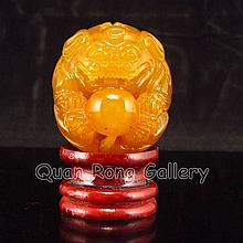 Hand-carved Chinese Shoushan Stone Statue - Lion & Ball