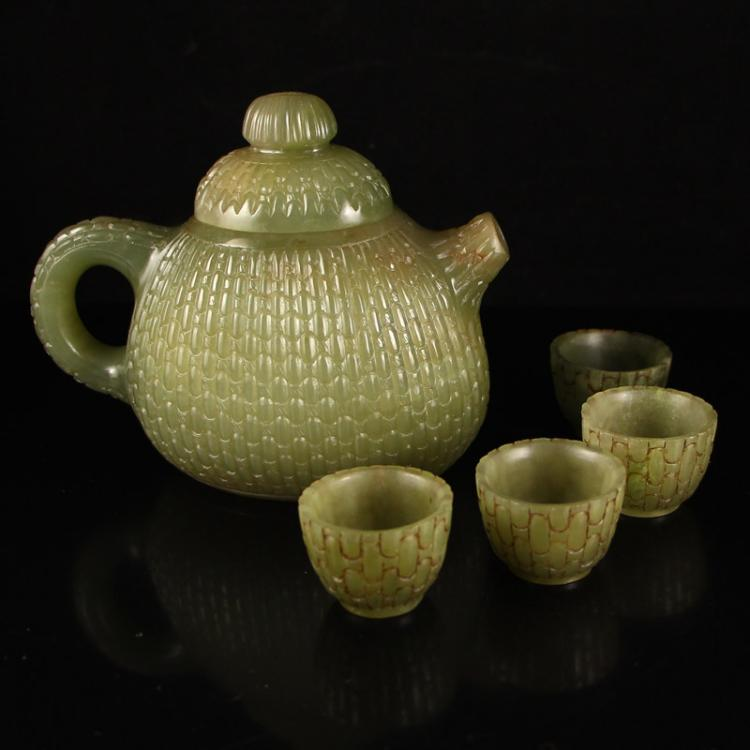 A Set Chinese Qing Dynasty Hetian Jade Teapot & Cups Teapot