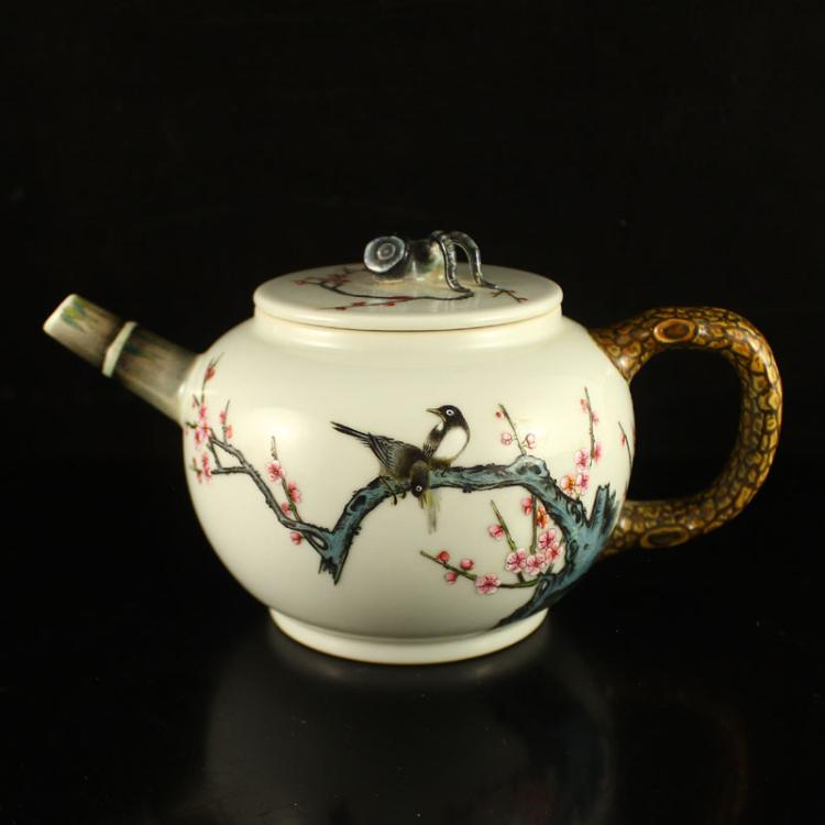 Superb Chinese Famille Rose Porcelain Teapot w Qianlong Mark