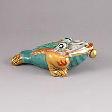 Hand-painted Chinese Colour Enamels Porcelain Snuff Bottle w Toad & Qian Long Mark