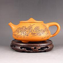 Fine Hand-made Chinese Yixing Zisha / Purple Clay Teapot w Tiger & Artist Signature
