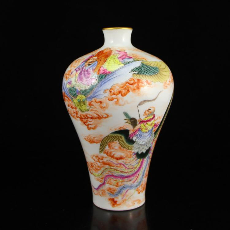 Chinese Qing Dynasty Gilt Edge Famille Rose Buddhism Arhat Porcelain Vase w Yong Zheng Mark