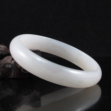 Hand-carved Chinese Natural White Hetian Jade Bracelet