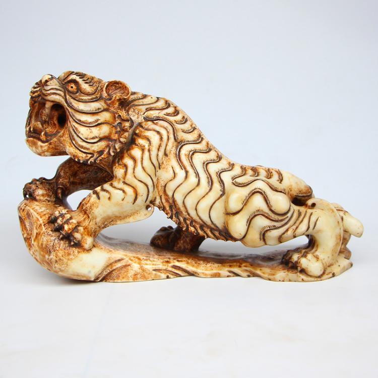 8.9 kg Vintage Chinese Hetian Jade Statue - Tiger