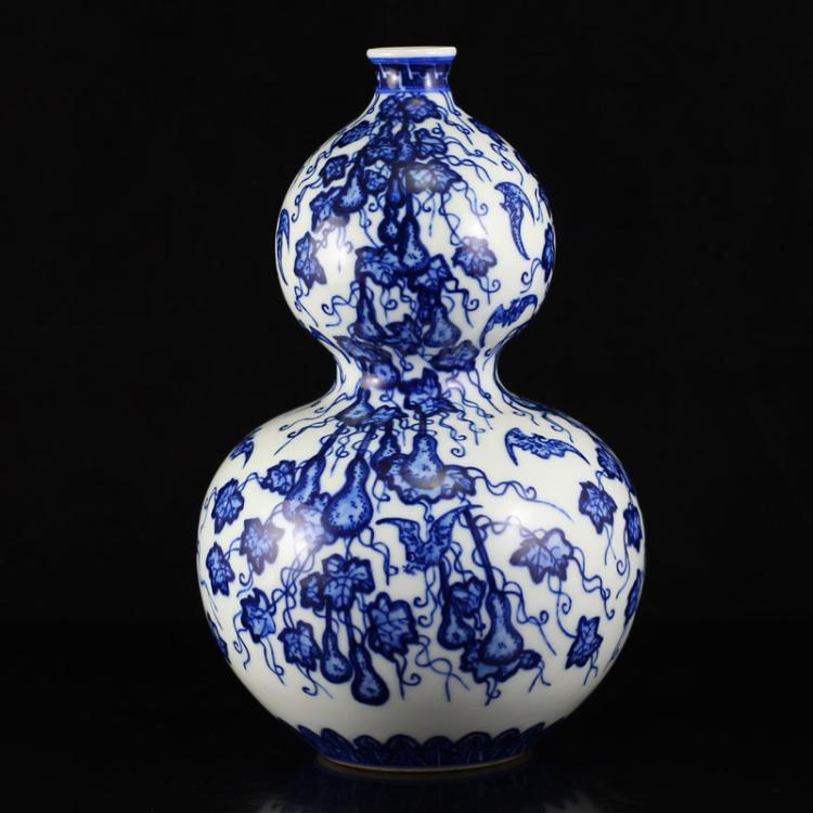 Superb Chinese Blue And White Porcelain Gourd Vase w Qian Long Mark