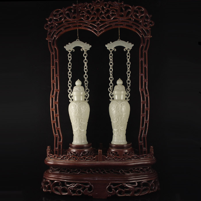 A Pair Superb Chinese Qing Dynasty Natural Hetian Jade Low Relief Braced Chain Vases