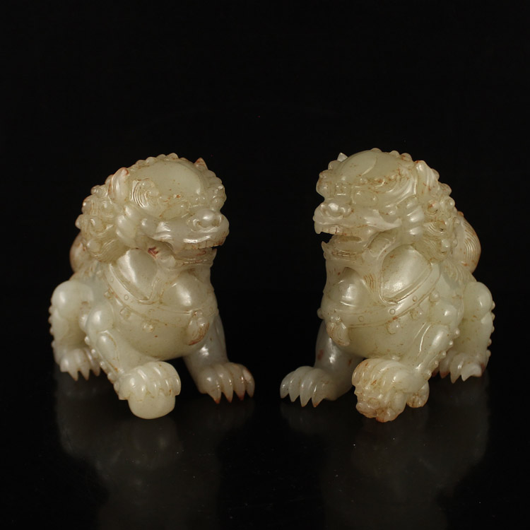 A Pair Chinese Qing Dynasty Hetian Jade Lions Statue