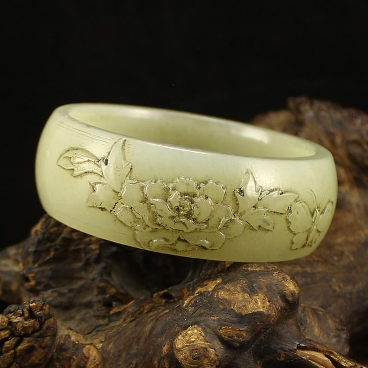 Inside Diameter 54 mm Vintage Chinese Hetian Jade Bracelet