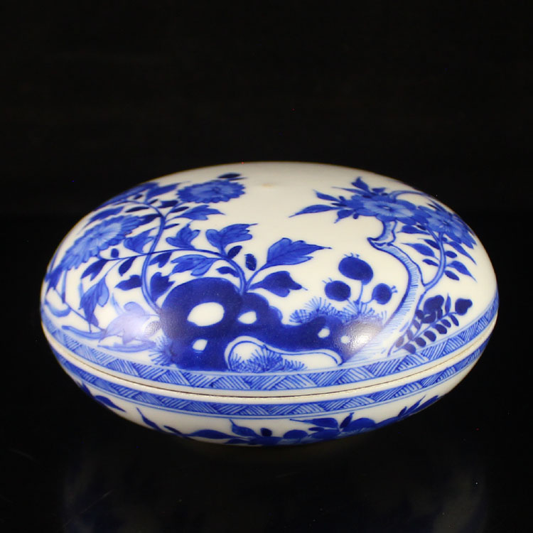 Chinese Blue And White Porcelain Rouge Box