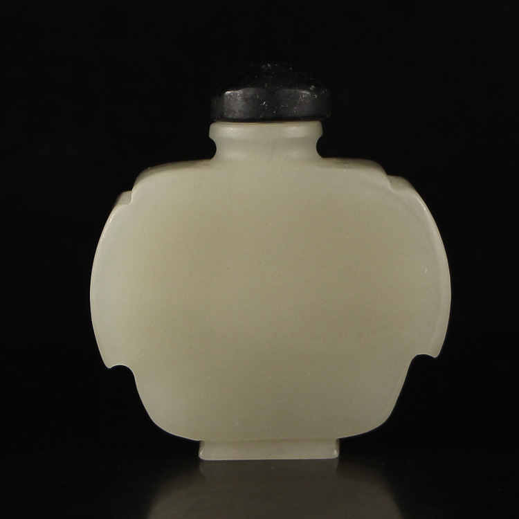 Chinese Hetian Jade Snuff Bottle