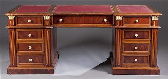 Early 20th Century Leather Top Desk