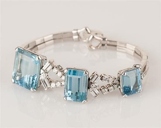 Art Deco Platinum and Aquamarine Bracelet, 43.0 grams,