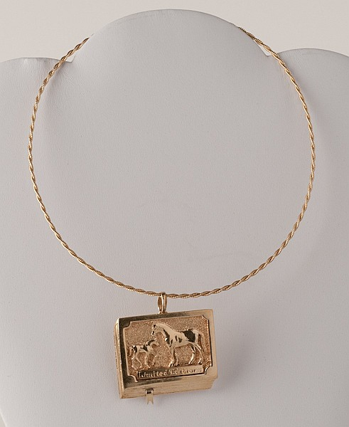 14K Yellow Gold Necklace with Pendant, 32.9 grams,