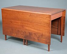 Federal Style Mahogany Drop Leaf Table