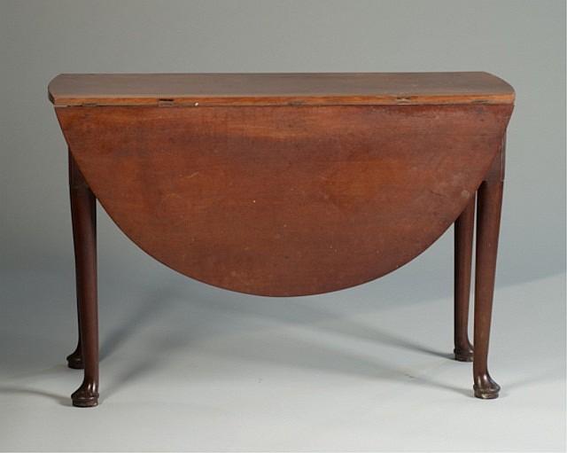 An 18th Century Small Mahogany Dropleaf Table, pos