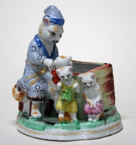 Royal Dalton-Style Ceramic Cat Card Holder.