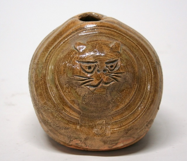 Folk Art Pottery Cat Vase.