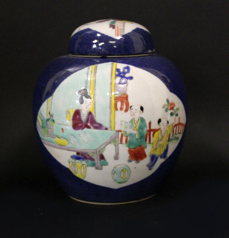 A CHINESE BLUE GLAZE FAMILLE ROSE PORCELAIN JAR WITH TOP ,19/20TH CENTURY