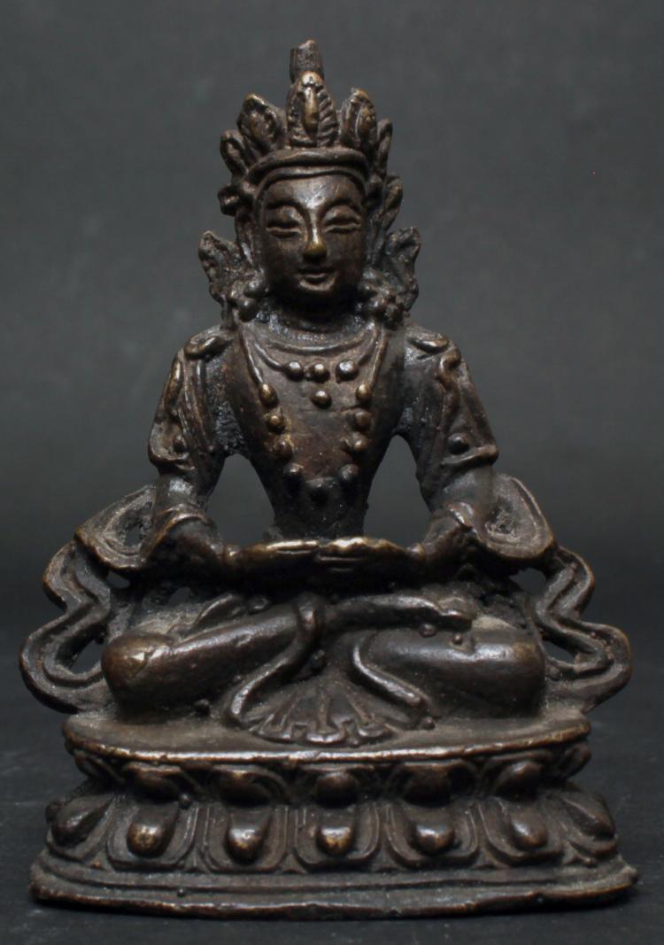 A CHINESE GILT BRONZE BUDDHA, QING DYNASTY
