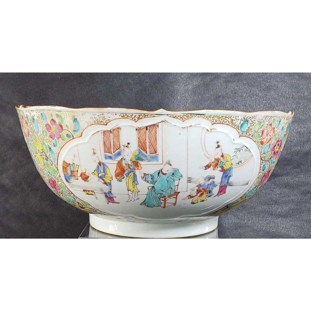 Chinese Famille Rose Bowl Chien Lung Period 18 c