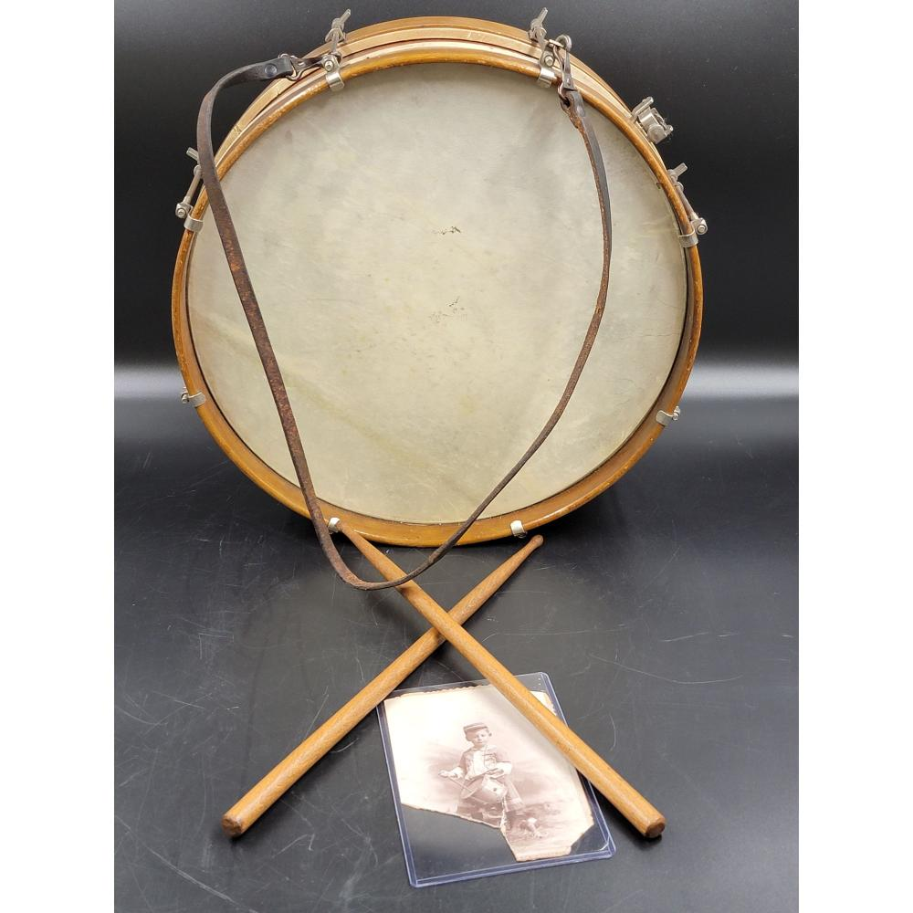 19TH C SNARE DRUM WITH STICKS, UN-KNOWN MAKER