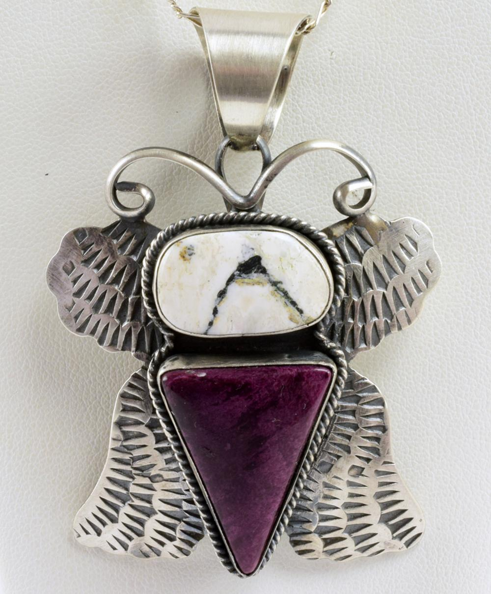 Chimney Butte White Buffalo and Spiny Oyster Pendant