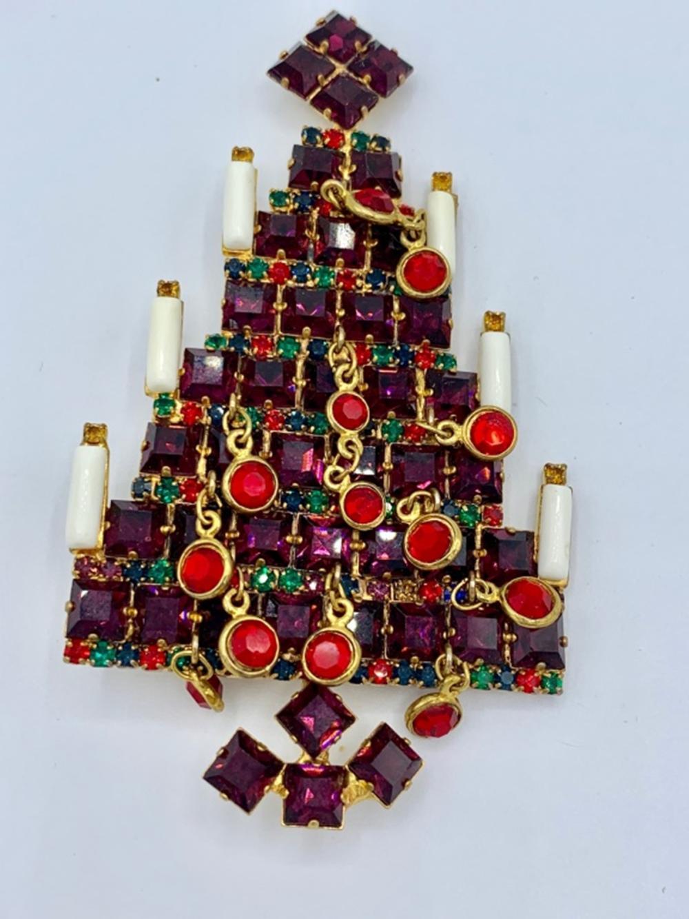 VASARI RHINESTONE CHRISTMAS TREE PIN/BROOCH