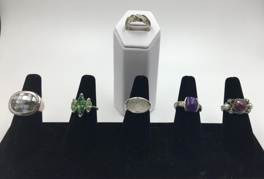 LOT OF SIX STERLING SILVER RINGS