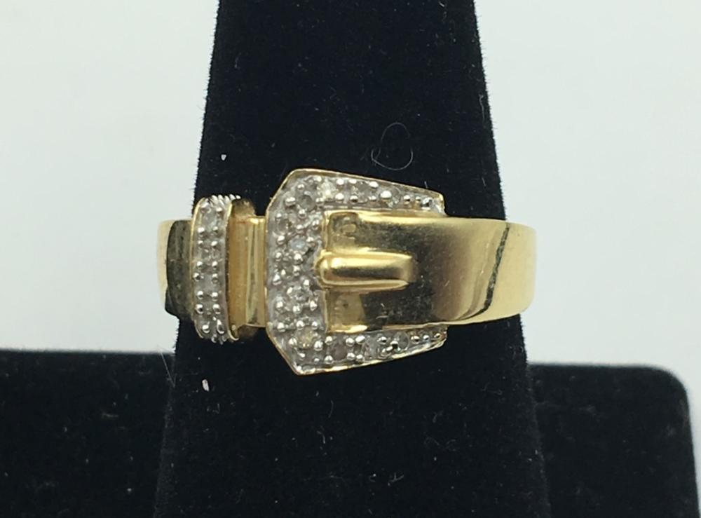 14K Y GOLD RING WITH DIAMOND ACCENTS