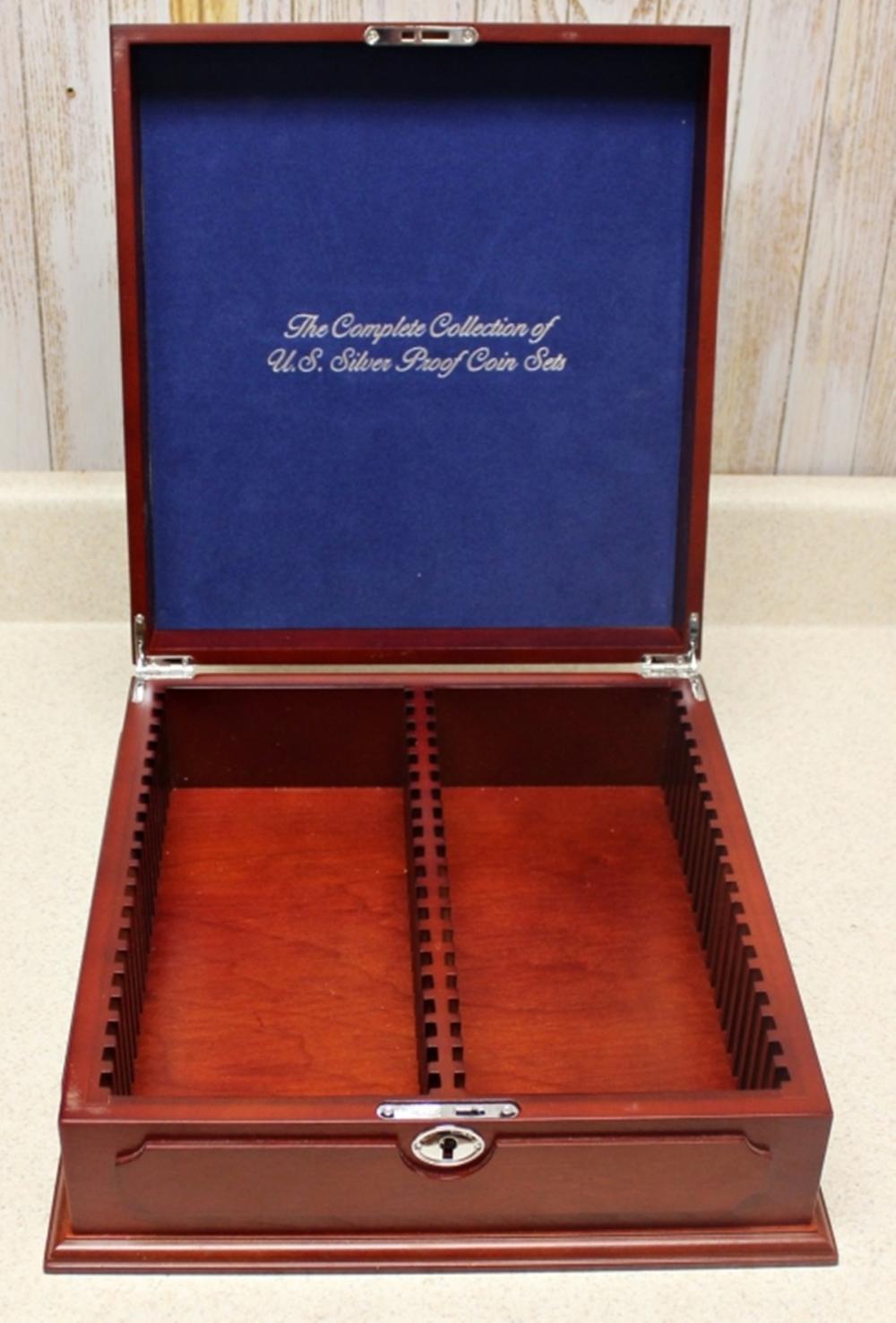 BEAUTIFUL WOODEN DISPLAY BOX